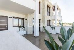 imponujących rozmiarów taras przy ekskluzywnym apartamencie do sprzedaży Hiszpania (Torreviej)
