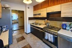 kuchnia w nowoczesnej zabudowie w ekskluzywnym apartamencie do sprzedaży Inowrocław