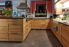 praktycznie zabudowana kuchnia w luksusowej willi na sprzedaż Głogów (okolice)