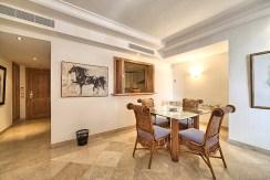 na zdjęciu ekskluzywne wnętrze luksusowego apartamentu na sprzedaż Hiszpania
