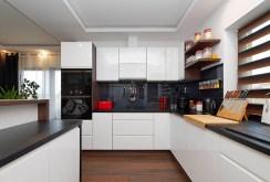 funkcjonalna kuchnia w luksusowej willi na sprzedaż Tarnów