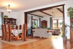 komfortowy salon w ekskluzywnej willi na sprzedaż Gdańsk (okolice)