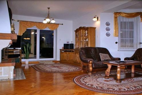 reprezentacyjny salon w luksusowej willi do sprzedaży Konin