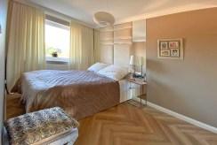 zaciszna sypialnia w ekskluzywnym apartamencie na sprzedaż Szczecin