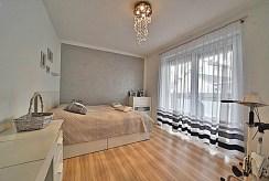 elegancka sypialnia w ekskluzywnym apartamencie na wynajem Bolesławiec