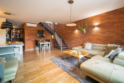 widok na przestronne wnętrze ekskluzywnego apartamentu na sprzedaż Bolesławiec