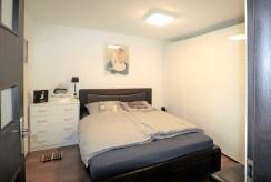 elegancka i zaciszna sypialnia w ekskluzywnej willi na sprzedaż Ustroń