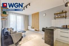 druga strona pokoju dziennego w luksusowym apartamencie na sprzedaż Gdańsk