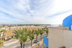 imponujący taras przy luksusowym apartamencie na sprzedaż Hiszpania (Costa Blanca, Cabo Roig)