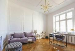 epatujący bogactwem salon w luksusowym apartamencie na sprzedaż Łódź