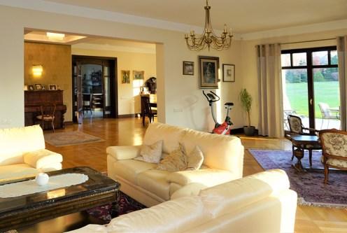 elitarny salon w luksusowej willi do sprzedaży Częstochowa