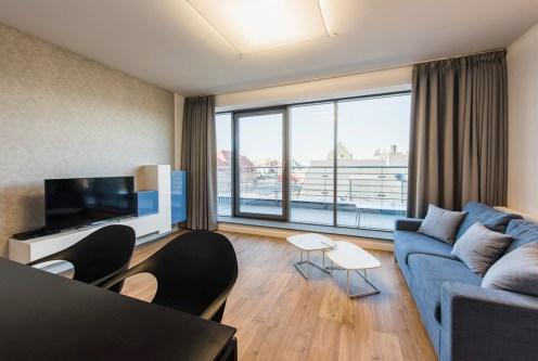 komfortowy pokój dzienny w luksusowym apartamencie do wynajmu Wrocław