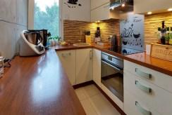 zabudowana praktycznie kuchnia w luksusowym apartamencie na sprzedaż Piotrków Trybunalski