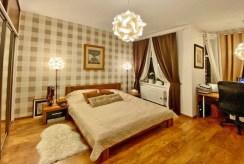 zaciszna sypialnia w luksusowym apartamencie na sprzedaż Świdnica