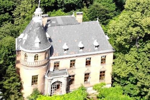 widok z lotu ptaka na luksusowy pałac do sprzedaży Dolny Śląsk