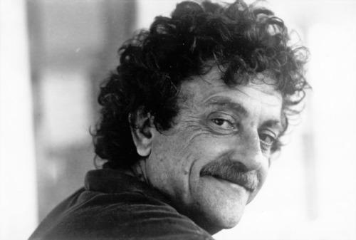 Mientras los mortales duermen – Kurt Vonnegut