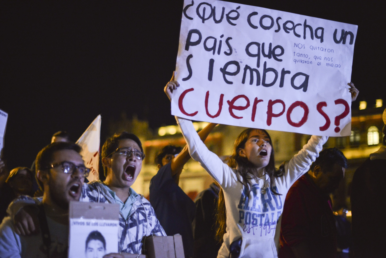 Ayotzinapa – David Huerta
