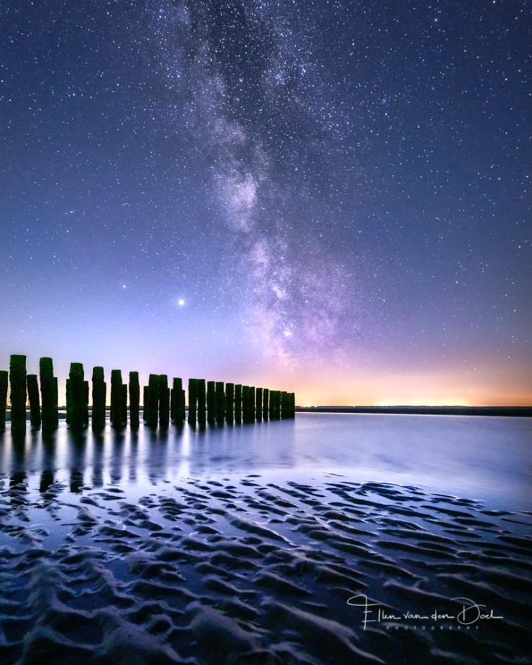 Melkweg op het strand van Zeeland