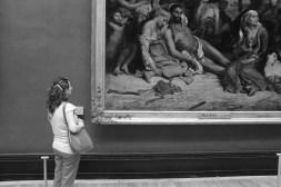 Elif dans le Musée du Louvre