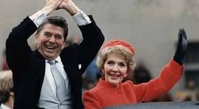 Los Reagan muestran sus condolencias a los Kennedy