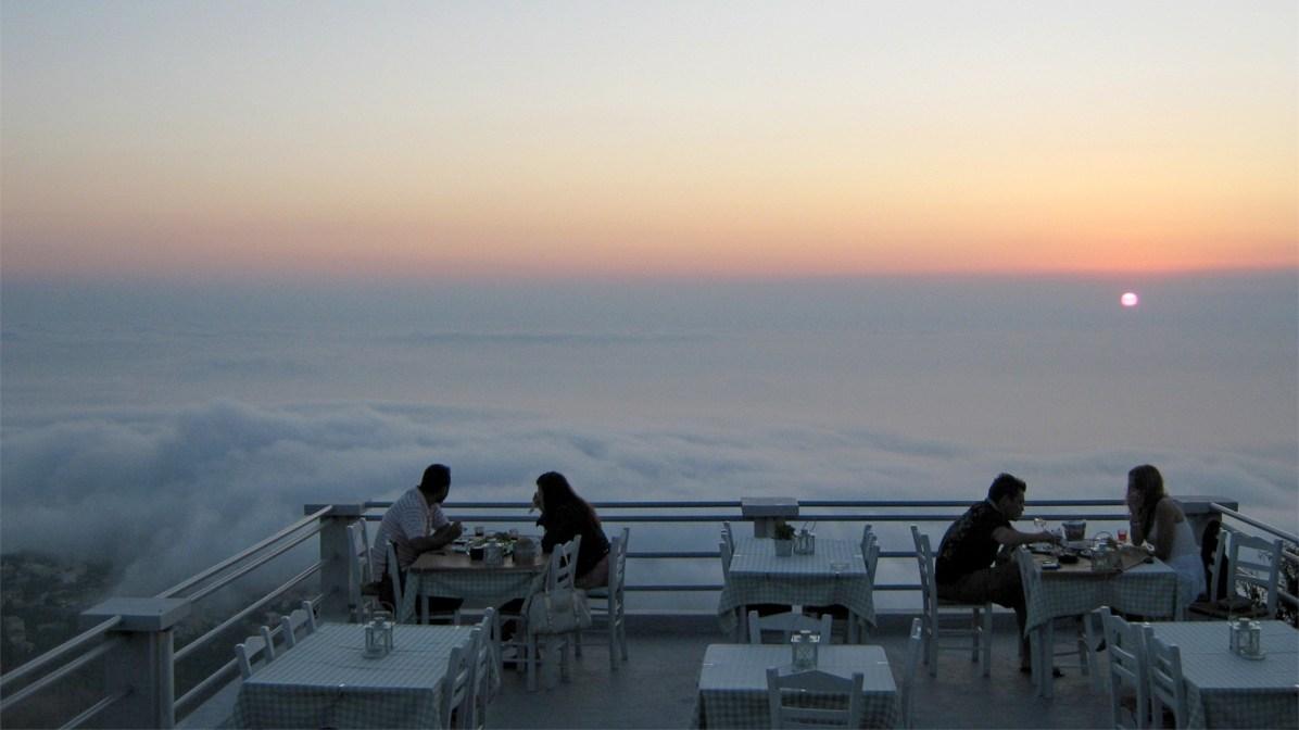 """Η θέα από το εστιατόριο """"Η Ράχη"""""""