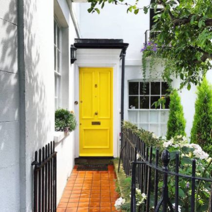 colorful-front-doors-photography-london-bella-foxwell-69-5c36fa68bbf42__700