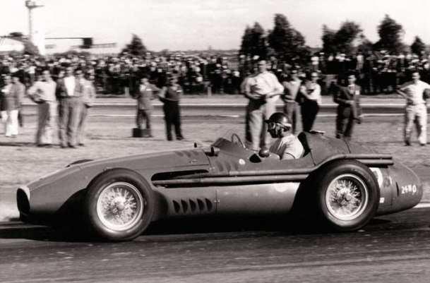 Fangio en el Maserati 250F