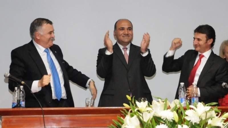 Manzur contra Roberto Sánchez por ayuda económica