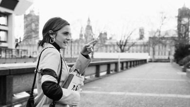 Photo of Emma Watson regaló libros en la calle
