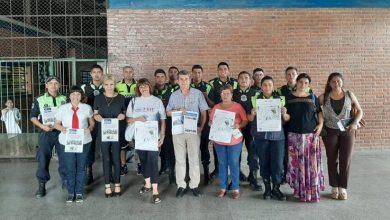 Photo of Vecinos y policías recibieron el título de Mediadores Comunitarios