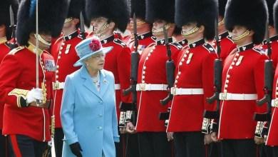 Photo of Un guardaespaldas de la reina Isabel II tiene coronavirus