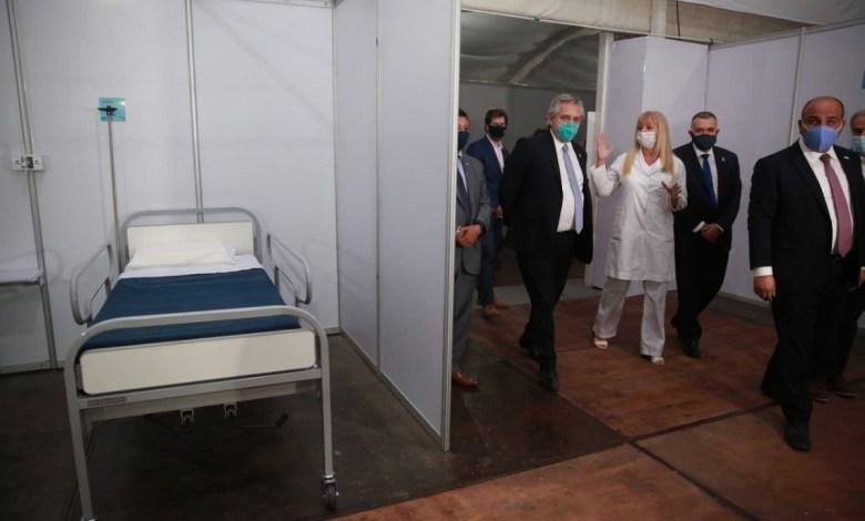 Alberto Fernández visita el hospital Eva Perón.