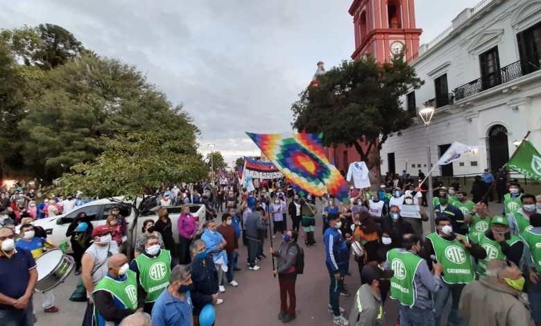 multitudinaria marcha en cuarentena