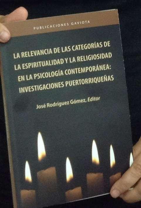 Foto Escritor de Univ Carlos Albizu-02