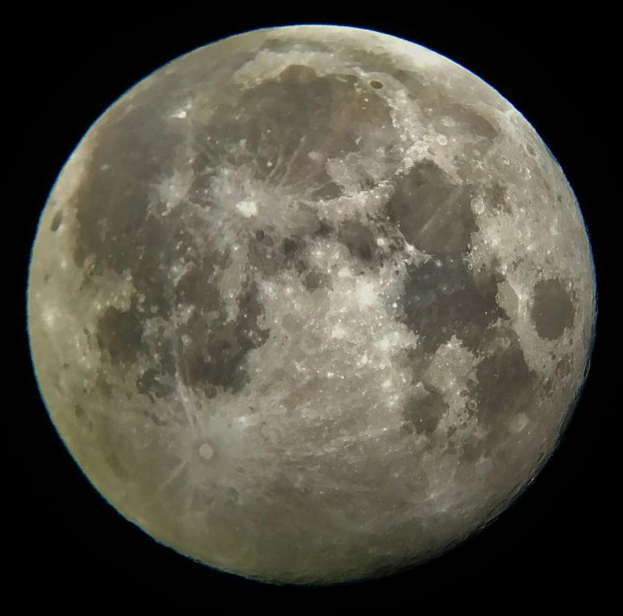 SAPR - Foto de la Luna tomada por Josúe Rodríguez Colón