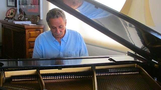 Alberto Carrión 6