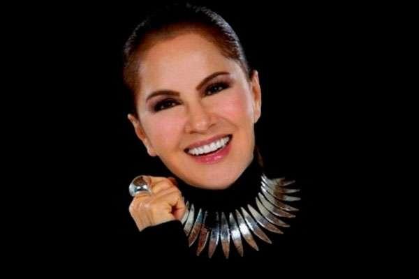 Nydia Caro