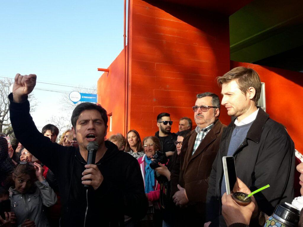 Axel Kicillof realizó una nueva recorrida por la cuarta sección visitando Florentino Ameghino, General Arenales y Vedia