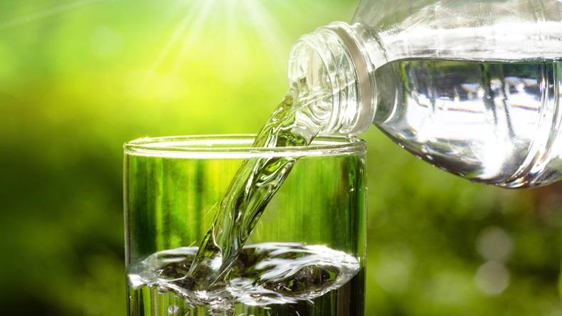 botella 1 agua y sostenibilidad aneabe