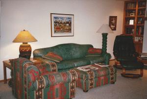 1995 family room