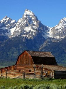 mormon-row-barn-grand-teton-national-park