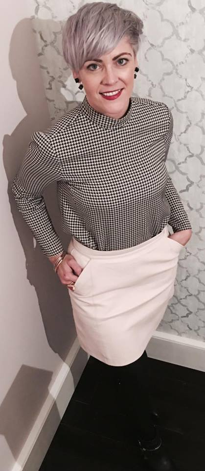outfir-of-the-day-skirt-and-top-elainesrovesntroves
