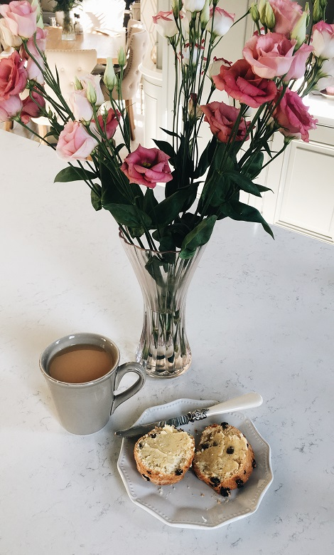 tea and scone - feature pic