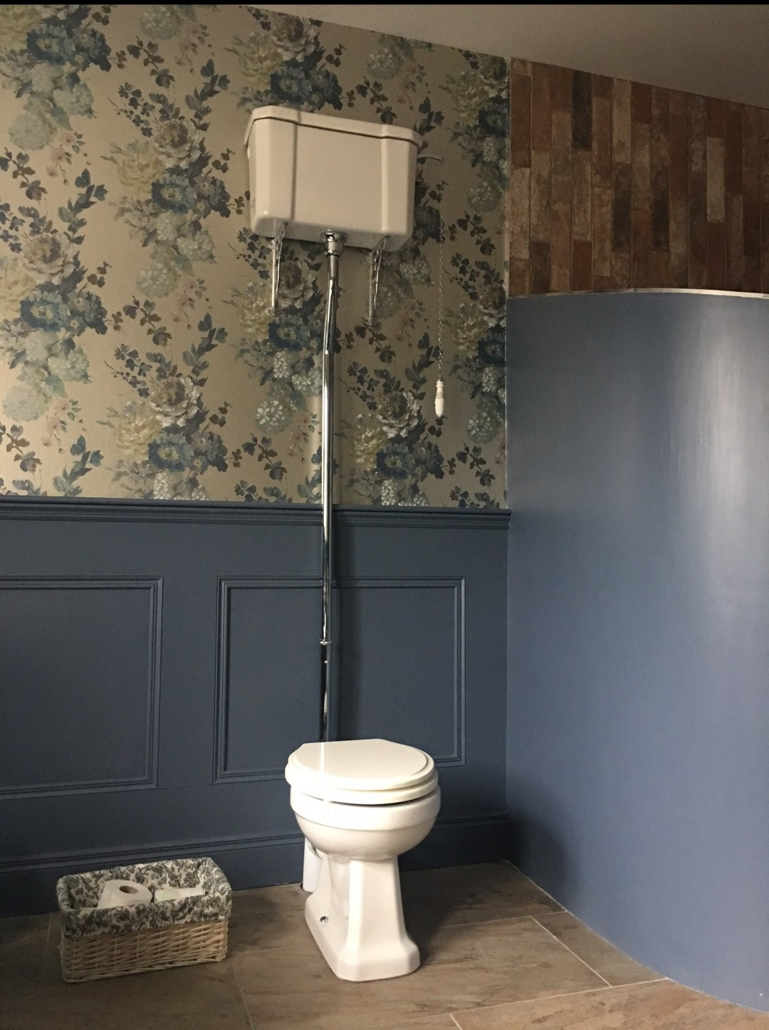 victoria-high-level-cistern-toilet.jpg