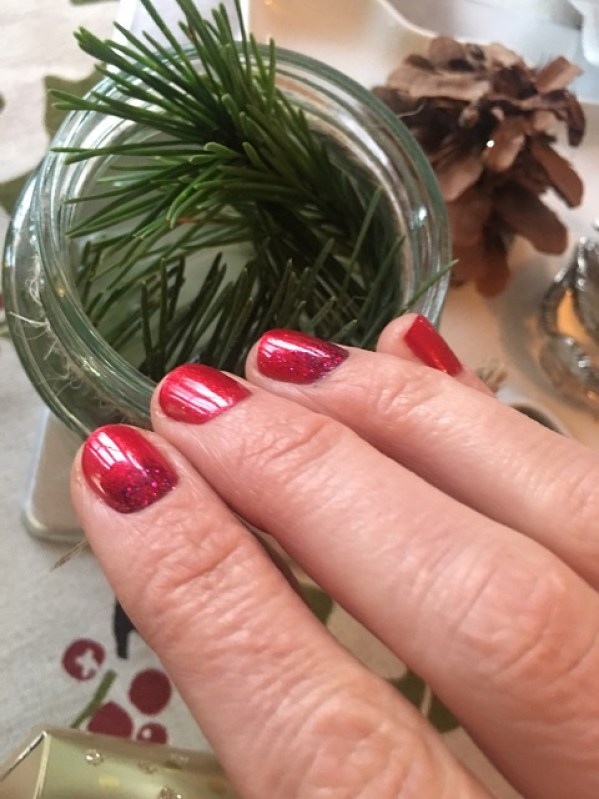 festive nailsfeature