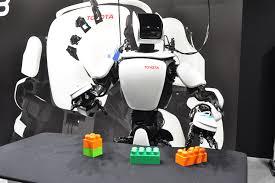 Cercetătorii de la  UC Berkely au dezvoltat o tehnologie de învățare robotică