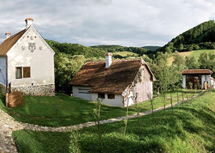 Un sat din România a fost inclus între cele mai frumoase din lume - GALERIE FOTO 7