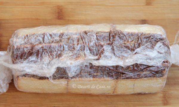 Prajitura-cu-biscuiti-si-banane-9