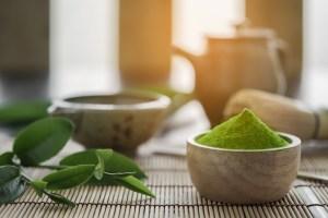 Ceaiul verde: 8 Beneficii, contraindicații
