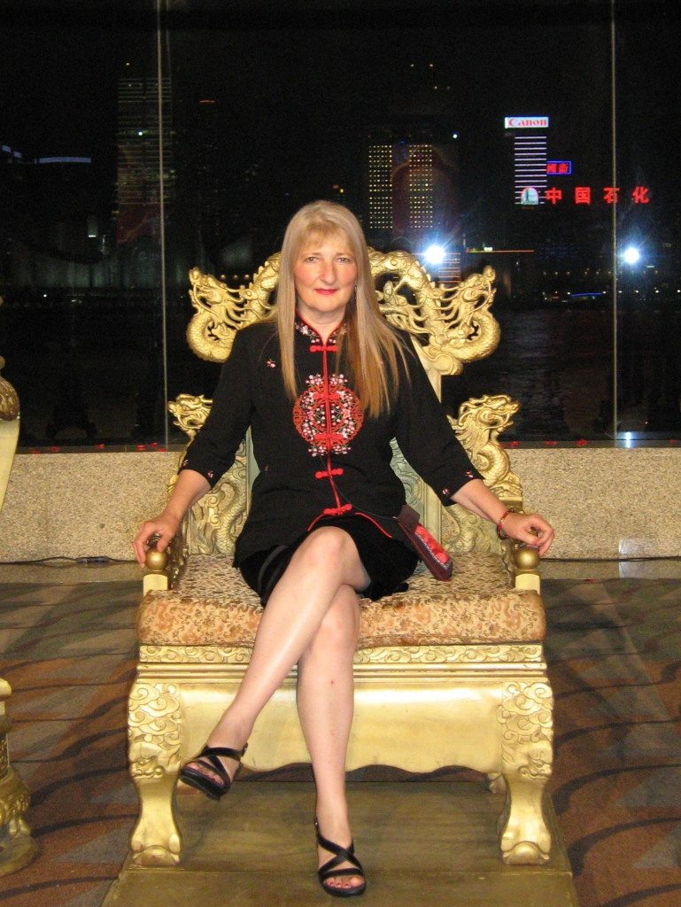 This image has an empty alt attribute; its file name is Diana-on-throne0785-769x1024.jpg